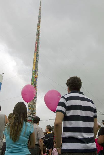 La torre midió 31.19 metros, rompiéndo el récord que pertenecía a Chile...