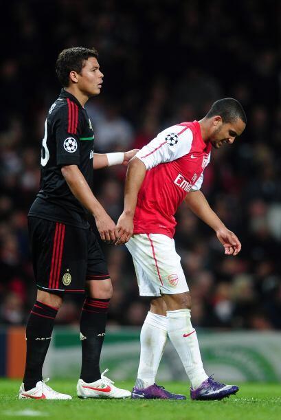 Las cosas se ponían más duras para el Arsenal ya que Theo Walcott salió...