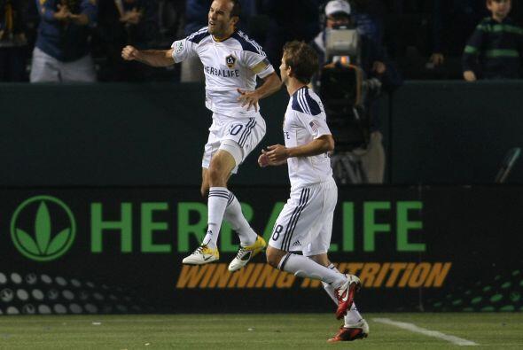 El Galaxy de Los Angeles goleó 3-0 a los Portland Timbers en su primera...