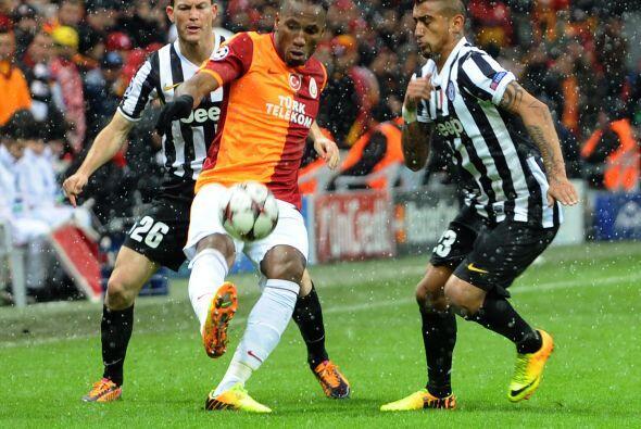 Galatasaray y Juventus se jugaban el segundo lugar de su grupo para defi...