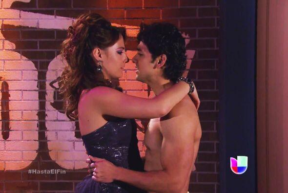¡Al fin! Lucas y Daniela revivieron su amor tras la presentación de la b...