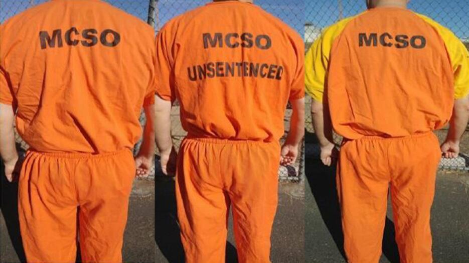 Los nuevos uniformes de los reclusos del sheriff del condado Maricopa nu...