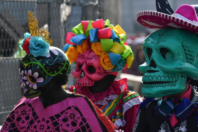 La fiesta del Día de Muertos se toma el Gran Premio de México en la Fórm...