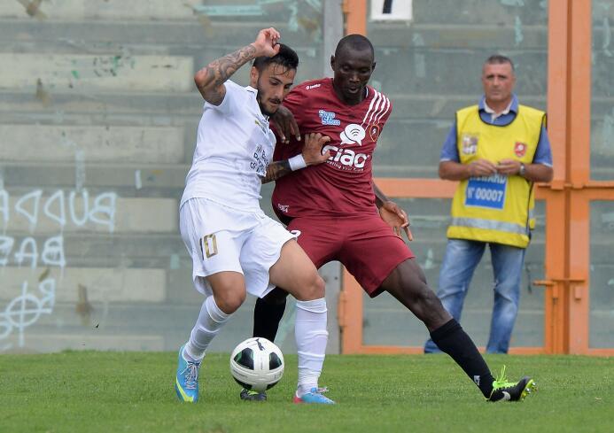 Giorgios Katidis (Futbolista): el griego cuasó polémica en su país al fe...