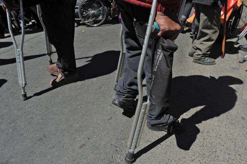 La tortuosa protesta de los discapacitados en Bolivia GettyImages-524211...