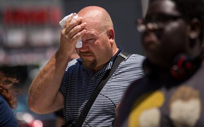 El sur de la Florida ha estado bajo alarma por una ola de calor con &iac...