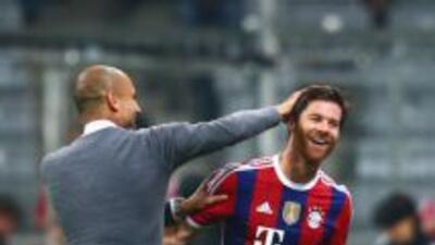 Xabi Alonso lleva una muy buena relación con Pep Guardiola.