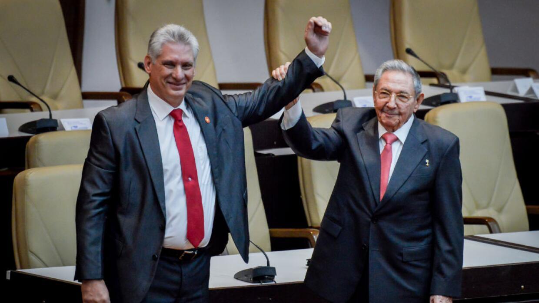 Miguel Díaz-Canel sucede a Raúl Castro en la presidencia de Cuba.