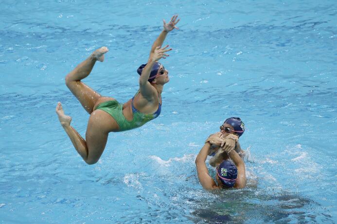 Los atletas nos regalan su arte en las competencias acuáticas, no te pie...