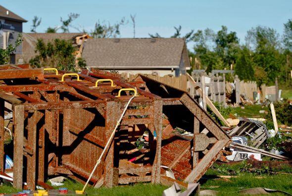 Entre los daños se encuentra una secundaria de la zona y una estación de...