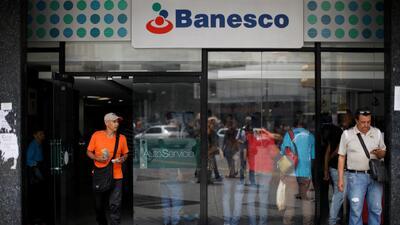 Ordenan el arresto de 11 ejecutivos de Banesco, el principal banco privado de Venezuela