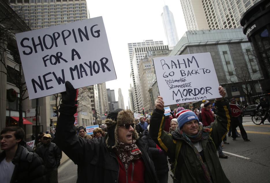 Unas cuatrocientas personas marcharon por la calle más importante de la...