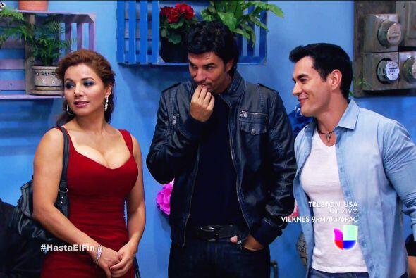 ¡Ahhh! Y no podía faltar tu compadre del alma Armando.