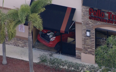 El accidente ocurrió en el restaurante Pollo Tropical de Davie, a...