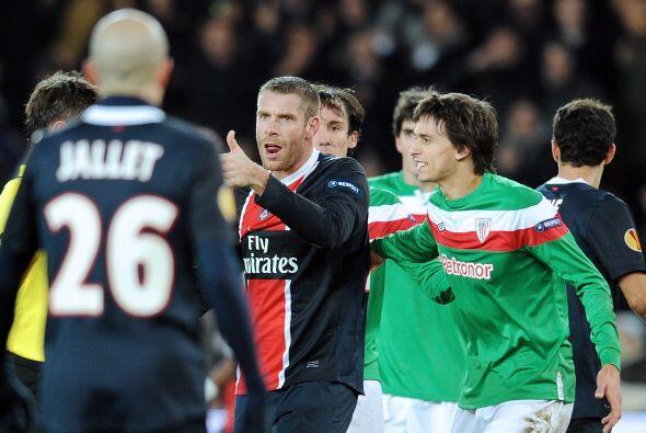 El Athletic empató, pero un autogol y otro tanto de Guillaume Hoarau sig...