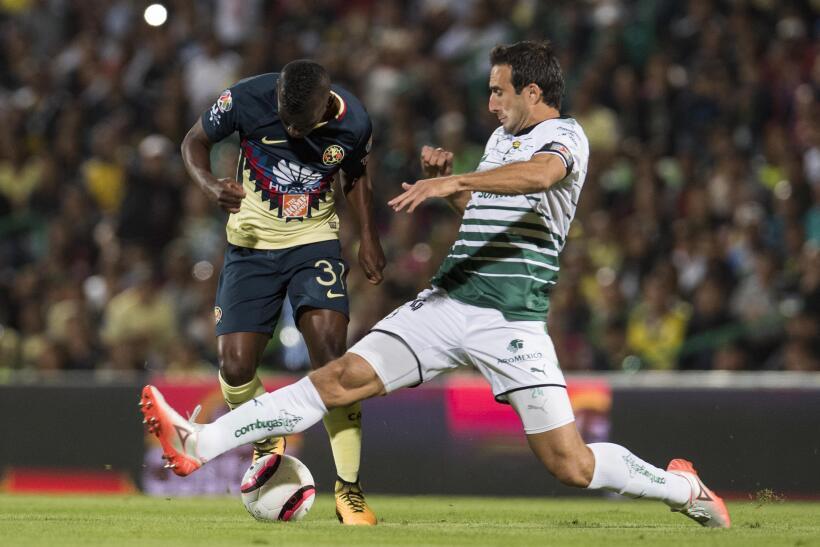 Con dedicatoria para Cruz Azul, América vence 1-0 a Santos 20171119-4432...