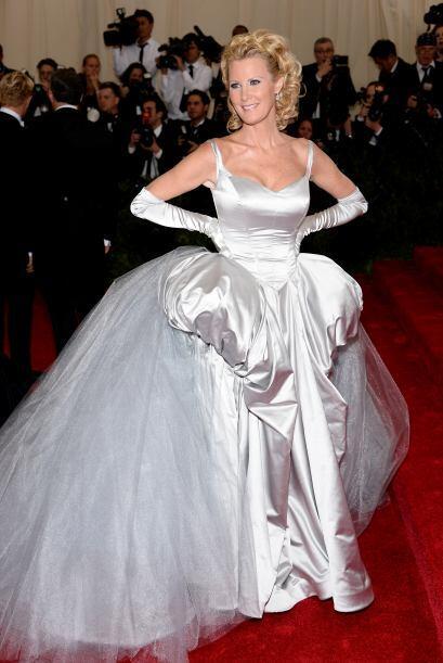 De las peores vestidas fue Sandra Lee, con tanta tela, no nos imaginamos...