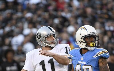 Raiders regresa a playoffs con victoria a 'patadas' en San Diego