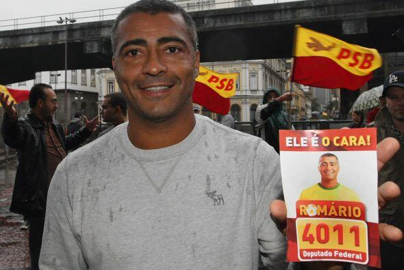Romario, recién incorporado al Partido Socialista Brasileño (PSB), fue e...
