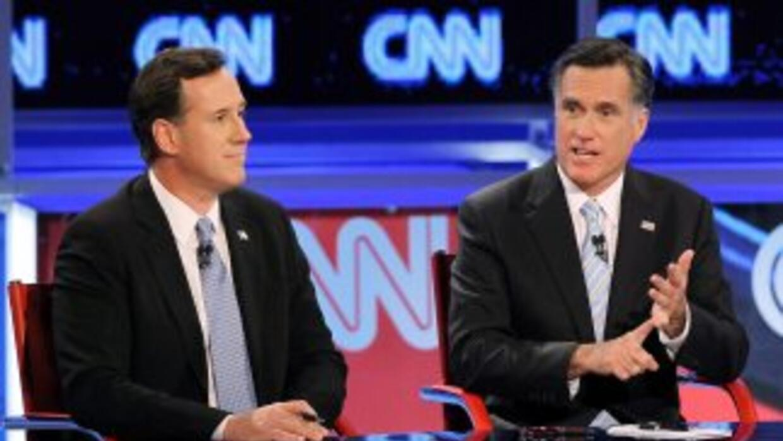 Precandidatos republicanos debaten en Arizona.