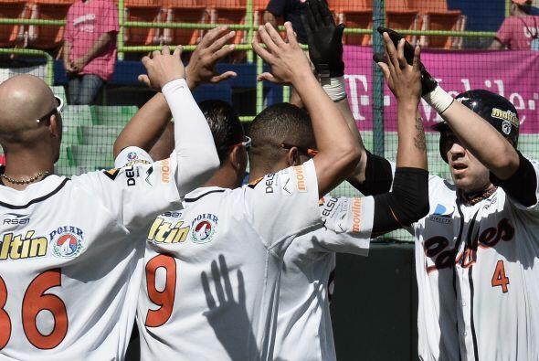 Los Caribes de Anzoátegui de Venezuela avanzaron hoy a la semifinal de l...