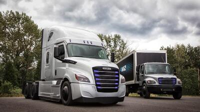Daimler responde a Tesla con dos nuevos camiones eléctricos
