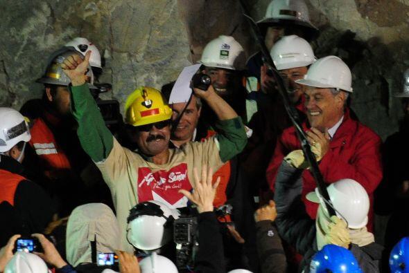 El tercer rescatado fue Juan Illanes Palma, de 52, casado y con un hijo,...