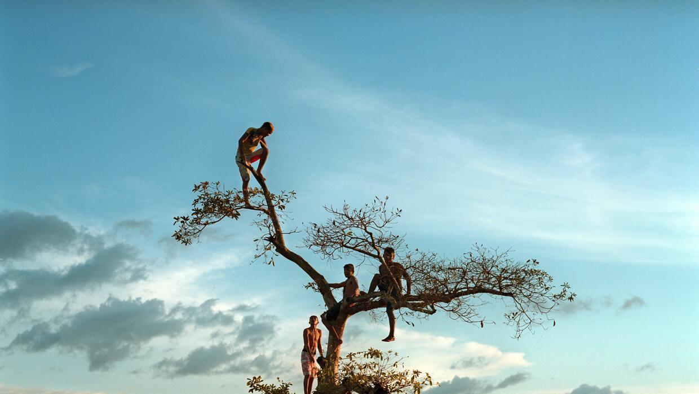 En fotos: El poderoso mensaje que un artista envía con esta escultura de...