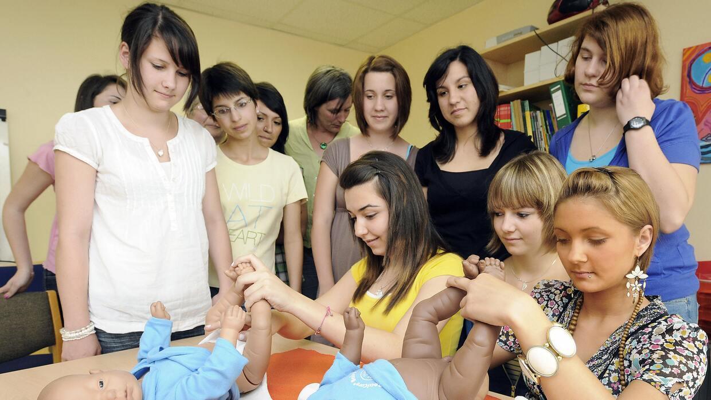 En materia de prevención de embarazo adolescente, se otorgan más fondos...