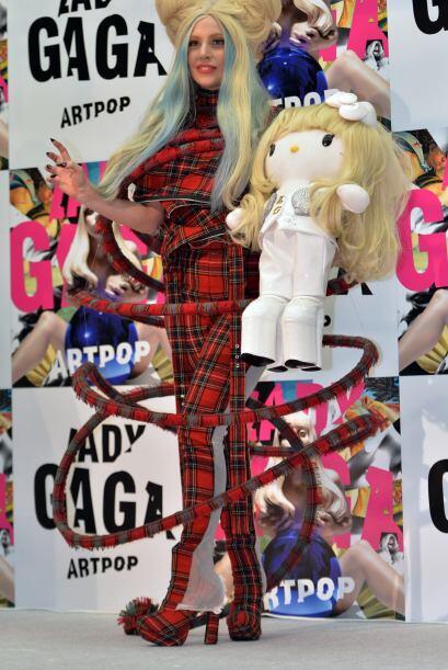 """""""Cuando sus amigos vieron las muñecas, estaban tan emocionados de tomarm..."""