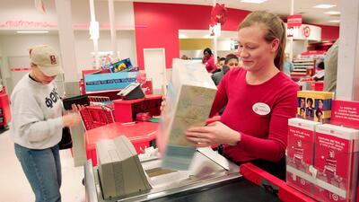 Target eliminará empleos para recortar gastos
