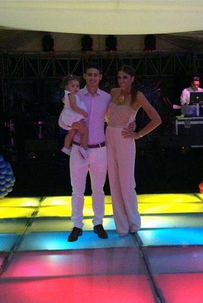 James Rodríguez subió esta foto de una fiesta con su esposa Daniela Ospi...