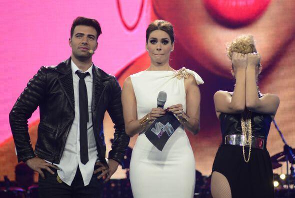 En una grabación, Paloma dijo que se perdía en la mirada del cantante...