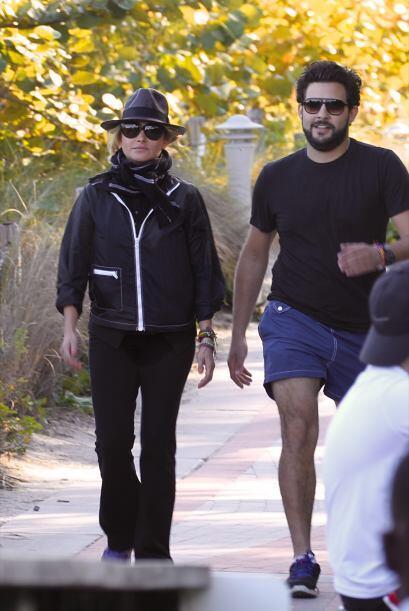 Gerardo iba más cómodo con shorts y una playera. Mira aqu&...
