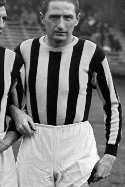 Silvio Piola sumó 275 goles en 537 partidos en la Serie A italian...