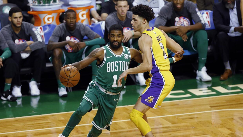 Kyrie Irving recibe a Lonzo Ball en Boston. ¿Estará listo Lonzo para la...