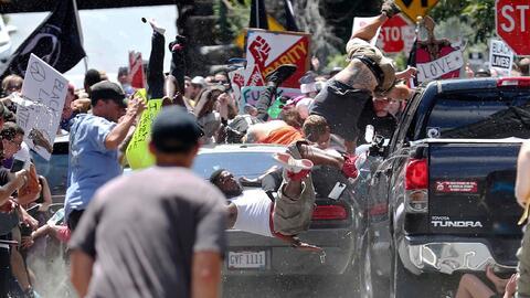 James Alex Fields Jr arremete contra los manifestante pacíficos en Charl...