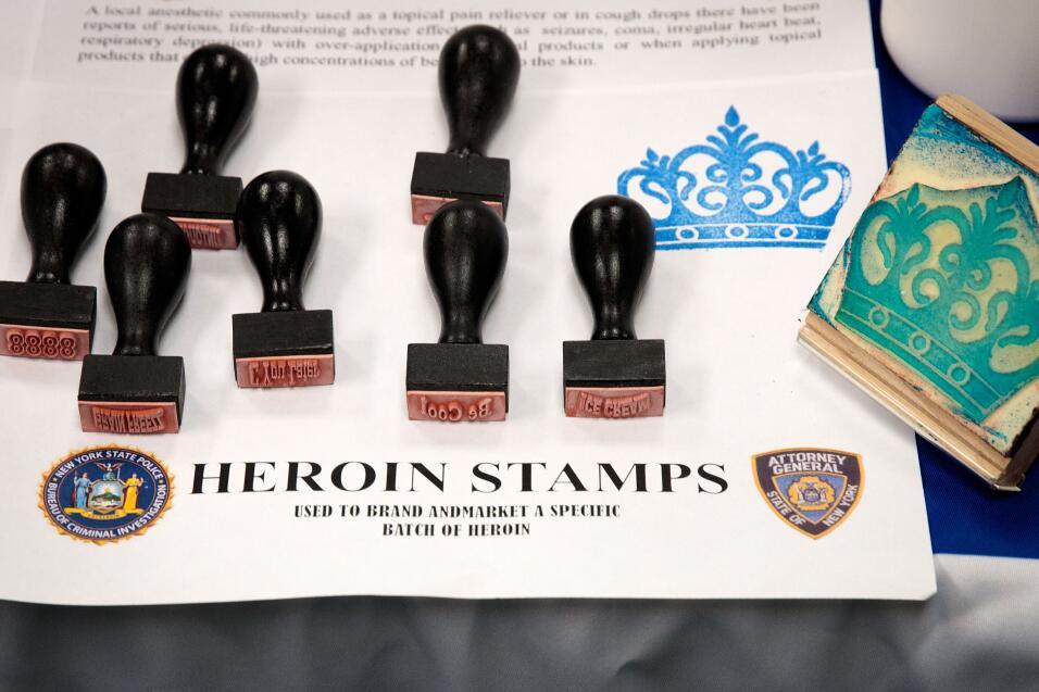 Con estos sellos se marcaban los distintos tipos de heroína.