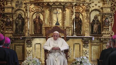 El papa Francisco habla del caso Odebrecht frente a obispos en Lima, Per...
