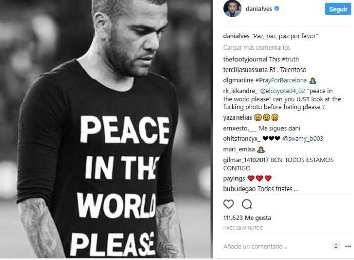 El mundo del deporte se solidariza con las víctimas de Barcelona BCN40.JPG