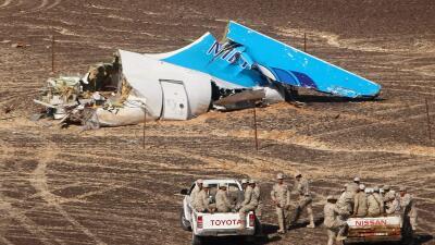 Restos del Airbus ruso siniestrado en el desierto de Sinaí