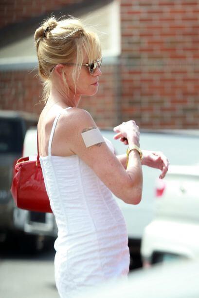 Melanie Griffit quiere quitarse su tatuaje a toda costa.
