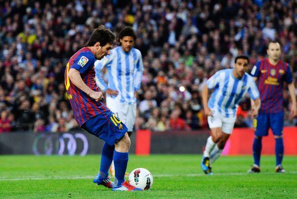 Messi lo ejecutó con clase y la mandó al fondo de la red.