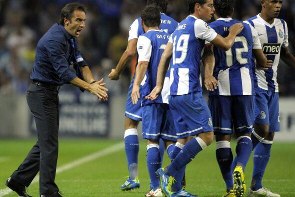 Porto, el super-campeón de Portugal, está firme.