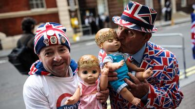 Inglaterra y la familia real celebran el nacimiento del hijo del príncip...