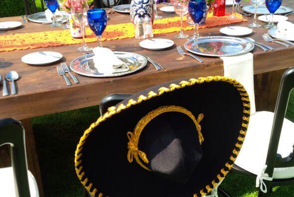 El sombrero típico del charro mexicano, ¿será acaso el del novio? Muy pr...