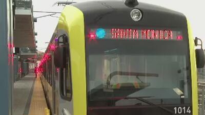 Autoridades buscan al sospechoso de masturbarse en un tren del metro de Los Ángeles