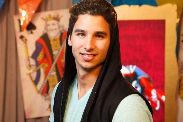 Maahez sigue imparable con su carrera como DJ y es reconocido como una d...
