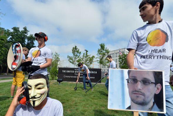 EDWARD SNOWDEN.   Edward Snowden, de 29 años, es el exfuncionario de la...