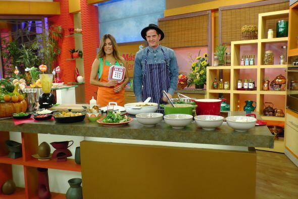 En la cocina, Carlos Estévez nos enseñó a preparar una deliciosa sopa de...